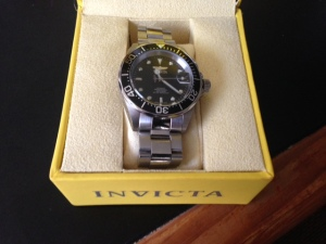Packaged in a solid, sturdy box with Invicta branding.