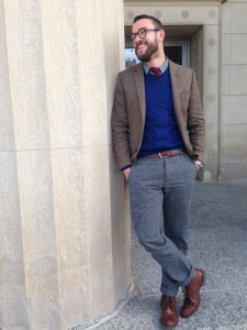 An example of how to tie it all together -- chambray shirt, knit tie & herringbone blazer. Don't forget those boots!