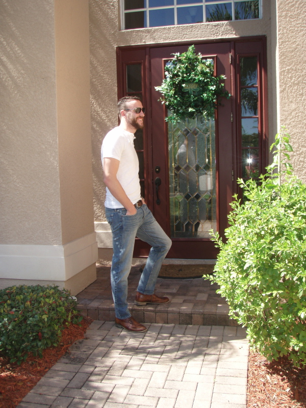 Lightwash denim in the Florida sun. Jeans by J. Crew (484 fit). Henley by Mossimo. Desert boots by Steve Madden. Sunglasses by Ralph Lauren.