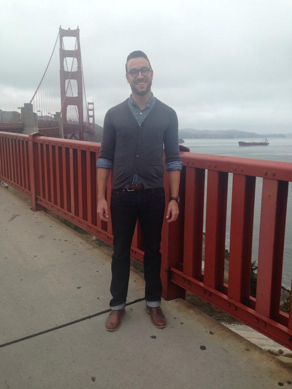 Using the versatile chambray shirt-and-cardigan combo to stay warm at the Golden Gate Bridge.