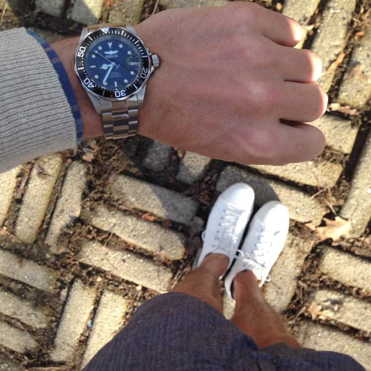 From sneakers and shorts to denim and  desert boots, a stainless steel dive watch is highly versatile.