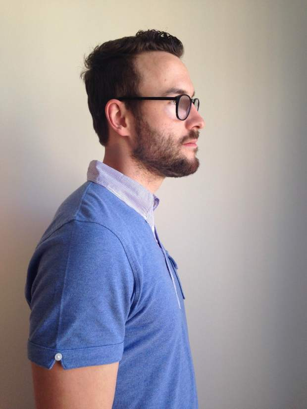 A look at the rather substantial collar and small details, like a notched V & extra button at the biceps.