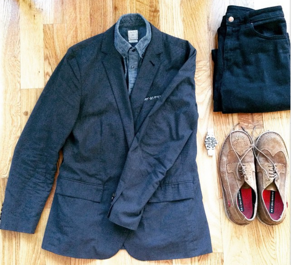 An outfit that moves from place to place with easy. Unconstructed navy blazer by J. Crew. Chambray shirt by GAP. Suede wingtips by Oliberté. Stainless steel dive watch by Invicta. Black denim by American Apparel.