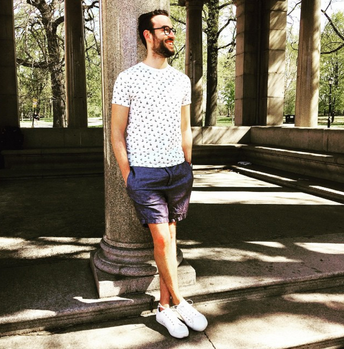 One way to wear shorts in the warmer months. Linen herringbone pair seen here by Frank & Oak. Nautical print T-shirt by J. Crew Factory. White sneakers by GREATS Brand. Glasses by Warby Parker.