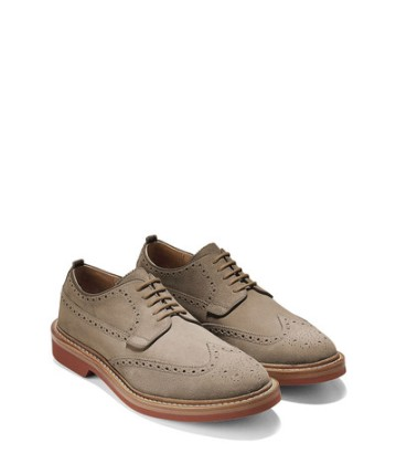 A spring and summer-appropriate suede wingtip.