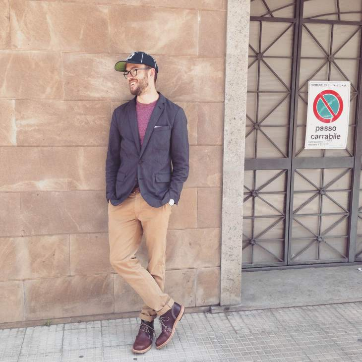 Pairing the Taylor Stitch Standard Issue Slim Chino with transitional travel gear. Heathered burgundy pocket tee by Steven Alan. Unconstructed blazer by J. Crew. Pocket square by Banana Republic. Vintage wool baseball cap by Goorin Brothers. Chukka boots by Timberland.