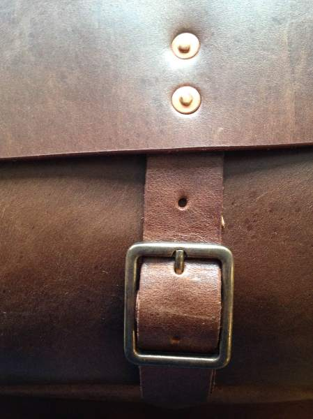 A closer look at some of the sturdy hardware on the Slim Mailbag.