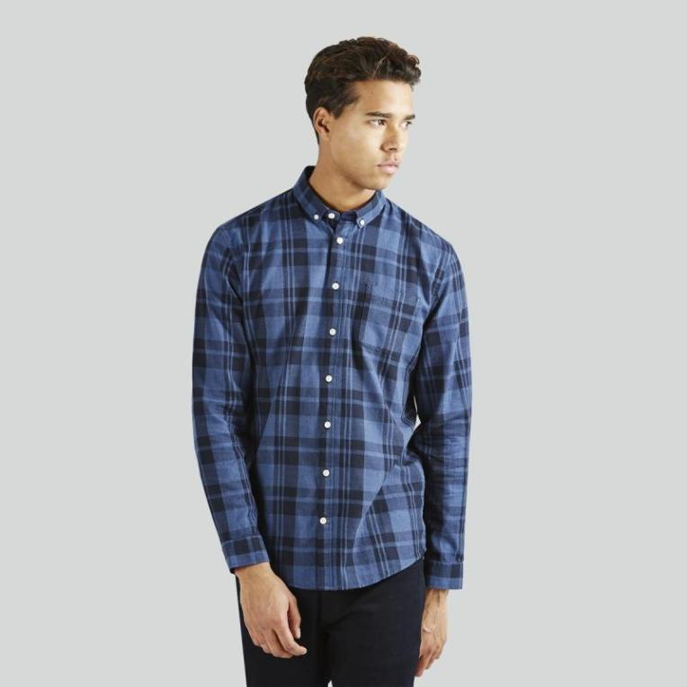 Style pick of the week frank oak plaid light flannel for Frank and oak shirt