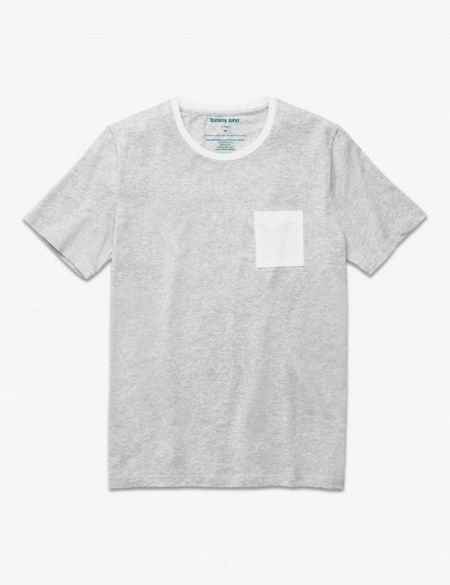 This colorblocked pocket tee is a simple but effective upgrade from the pedestrian crewneck.