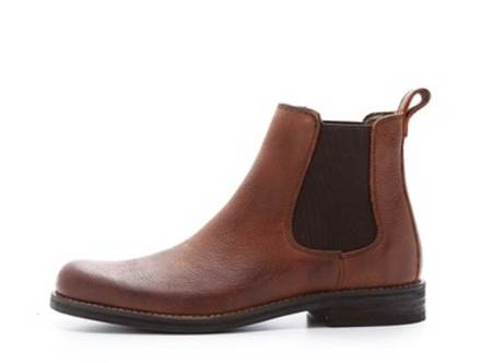Heritage-quality leather and rugged style details at an approachable price.