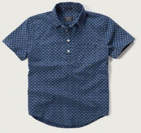 A full look at this easygoing spring shirt, complete with a slim fit.