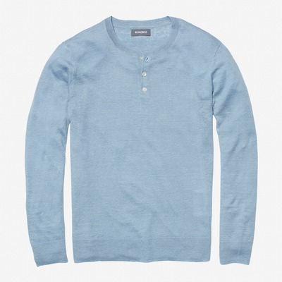 A switch from heather grey to a lighter blue that should pair quite well with dark denim or khaki shorts.