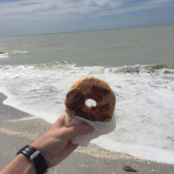 A must-see when hitting up Sanibel Island -- the delicious Bennett's Fresh Roast! Rubber-strap watch by Stuhrling. Beach scene not included with purchase.