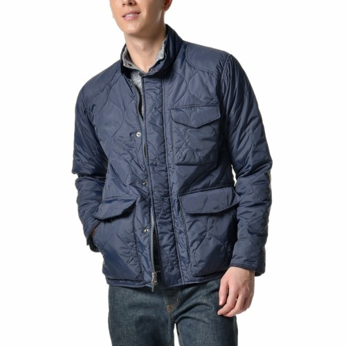 A hybrid jacket that's ideal for the shifting temps of spring.