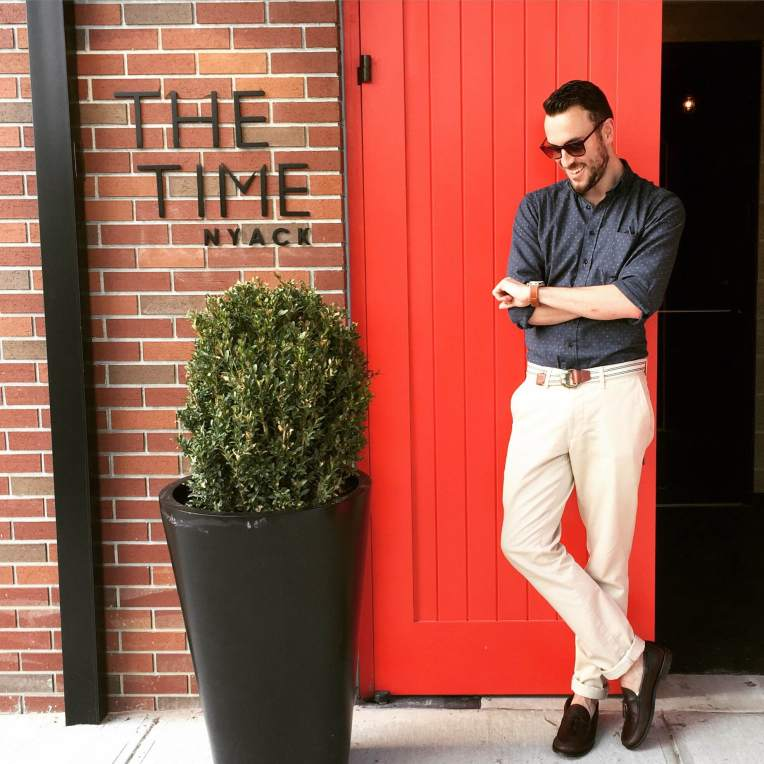 Taking some time away from NYC. The Jack in Indigo Star Shirt and Slim Chinos in Light Stone by Taylor Stitch. Heritage Tassel Loafers by Sebago. Maximus Sunglasses by Sunday Somewhere. Waterbury Chrono from the Timex x Red Wing collab. Striped webbed belt by J. Crew.