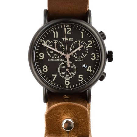 Premium Horween leather meets a tough, dependable watch.