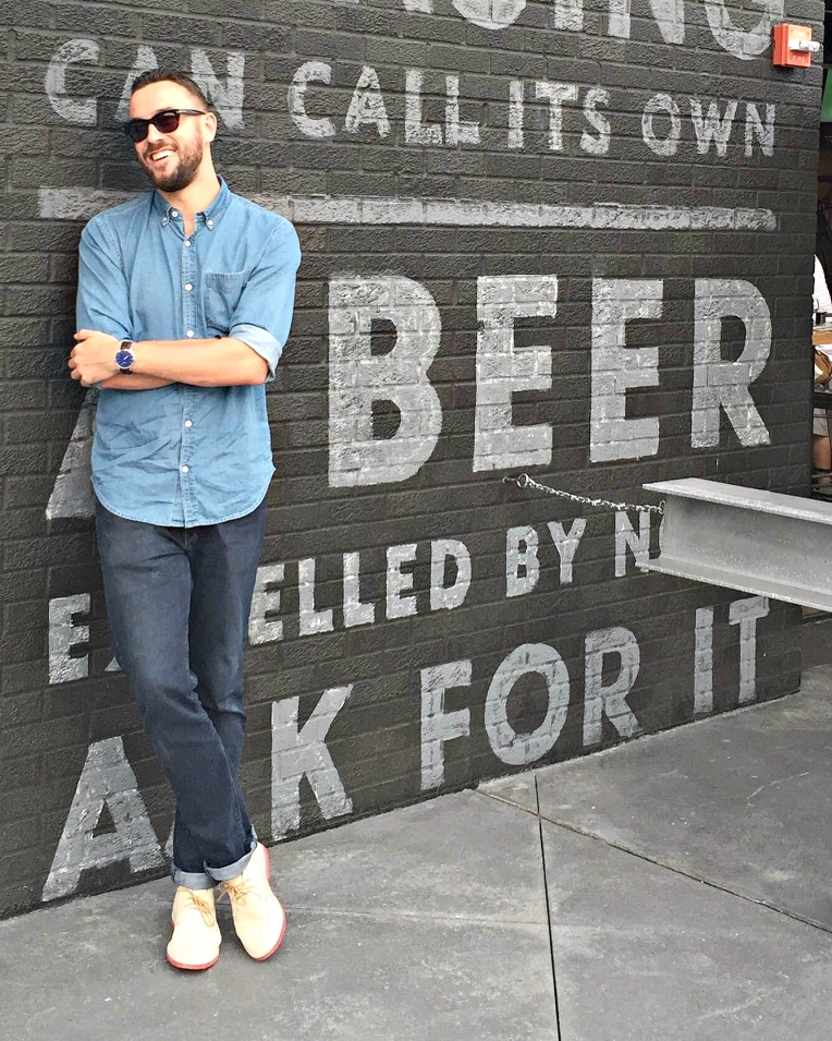A wedding weekend -- and a bit of bar crawl action -- to boot. Denim Shirt by JackThreads. Slim Italian-made denim by Mott & Bow. Sand Suede Chukkas by Blu Kicks. Watch by MVMT Watches. Backdrop by Lansing Brewing.
