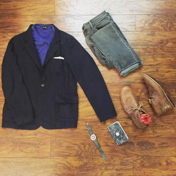 A Monday of meetings and menswear. Pocket Tee by Steven Alan. 505C Jeans by Levi's. Ivy Blazer by Grayers. Mod Watch by Timex x Todd Snyder. Chukkas by Timberland. Striped socks via the latest SprezzaBox. Notebook by Word Notebooks.