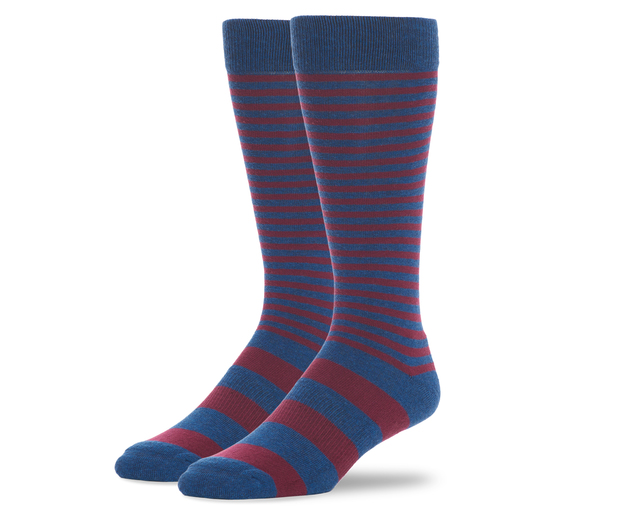Easygoing socks for daily wear -- in a color that plays along nicely with the rest of this outfit.