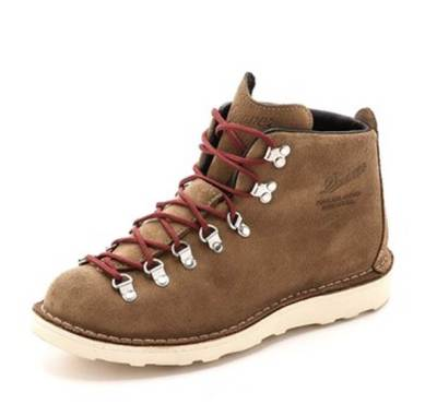 A durable, tough pair of hikers with a bit of style injected in the mix.