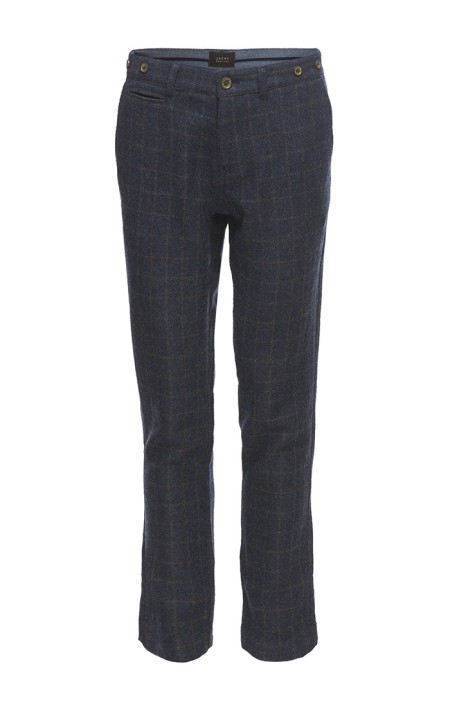 A reliable alternative to plain charcoal trousers, made with a hint of stretch fabric.
