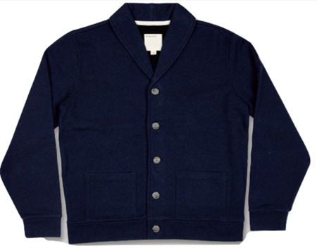 An easygoing-yet-crisp cardigan ideal for layering in cold weather.