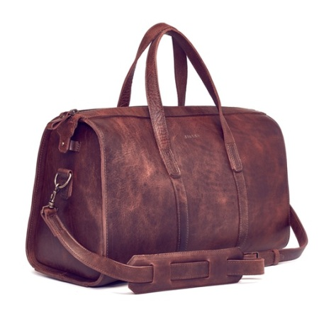 A supremely stylish and tough leather weekender bag.