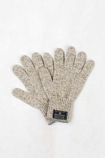 Casual, comfortable and unique -- the ideal pair of off-duty gloves.